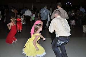 father-daughter-chicken-dance-families-first-of-pella