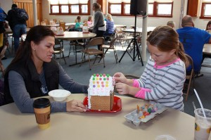 gingerbread-house-decoration-families-first-of-pella