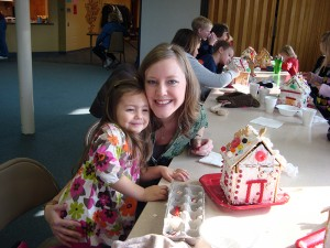 gingerbread-houses-families-first-of-pella
